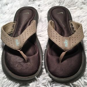 Nike Women's Comfort Thong Khaki Size 11